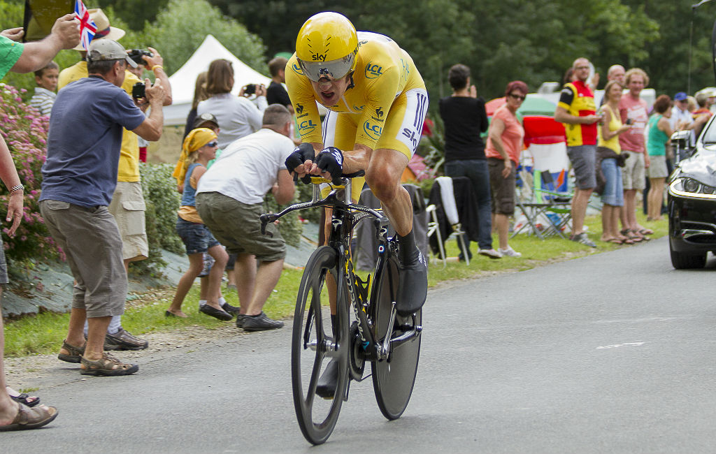 Bradley Wiggins on time trial bike
