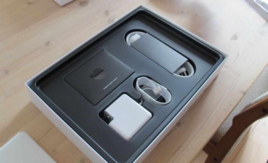 Unboxing a Macbook Pro